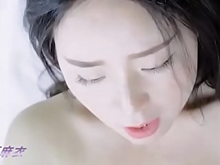 Asian camgirl masturbating with big dildo