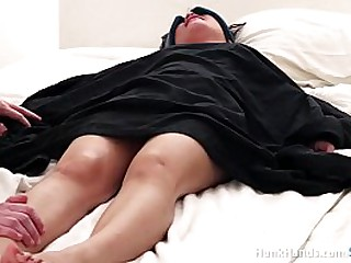 hot little asian SQUIRTS THIRTEEN times during real massage! (insane) ««Got Squirt? Go to HunkHands.com and make ANY girl squirt... TONIGHT!»»