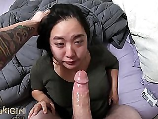 DEEPTHROAT and amateur assfucking asian girl