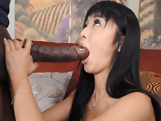 JAPANESE CUTIE GAGS ON MANDINGO BBC