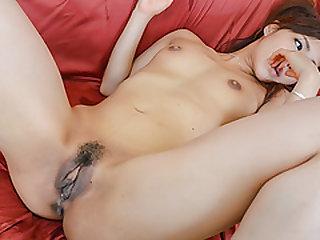 Yukina Momota throats cock before having hardcore sex