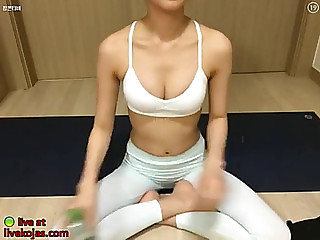 Hot korean camgirl in yoga panties
